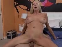 Sexe oral et baise avec Mrs. Starr