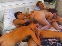 Du sexe en groupe par deux couples